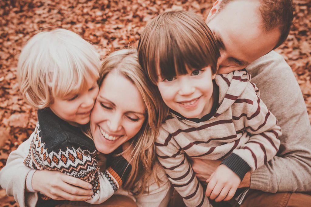 Hochzeitsfotograf in Berlin, Familienfotos Berlin, Familienfotoshooting Steglitz, Familienfotograf, Familienfotografin Berlin, Lieblingsmenschen Fotos, Familienfotos outdoor, Familienfotoshooting draußen